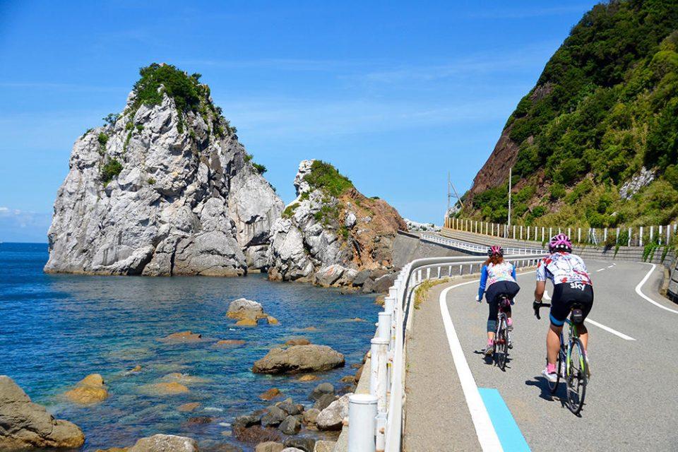 夏の和歌山!水と岩の絶景&グルメツアー(8/24-25)